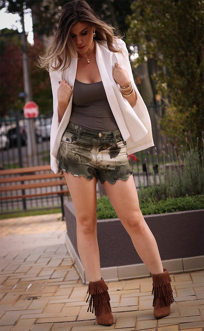 Tendência blazer capa, shorts militar e bota de franjas folk inverno 15 (1)