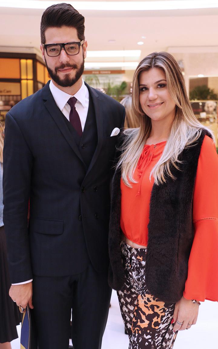 Kadu Dantas e Sabrina no Fhist Shopping Barigui