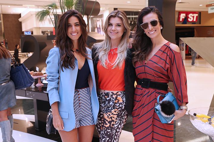 Luiza Sobral, Sabrina Dalmolin e Silvia Braz no Fhits Shopping Barigui