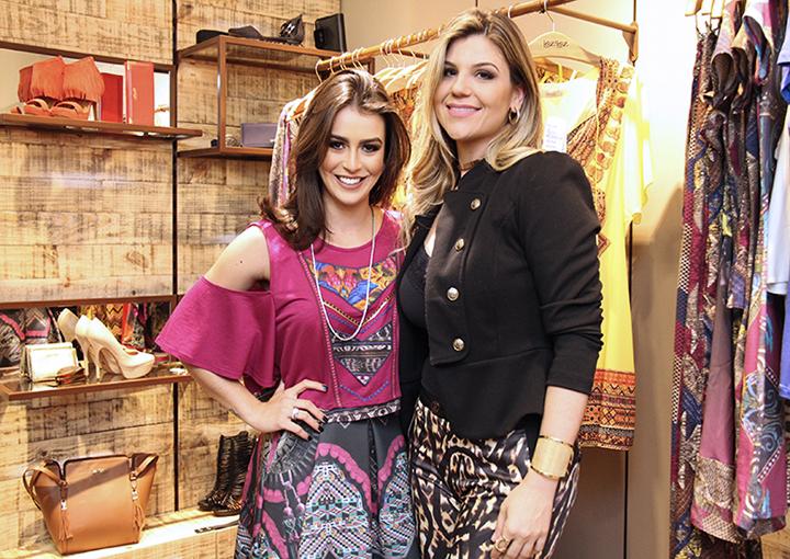 Mariana Saad e Sabrina Dalmolin F Hits Shopping Barigui