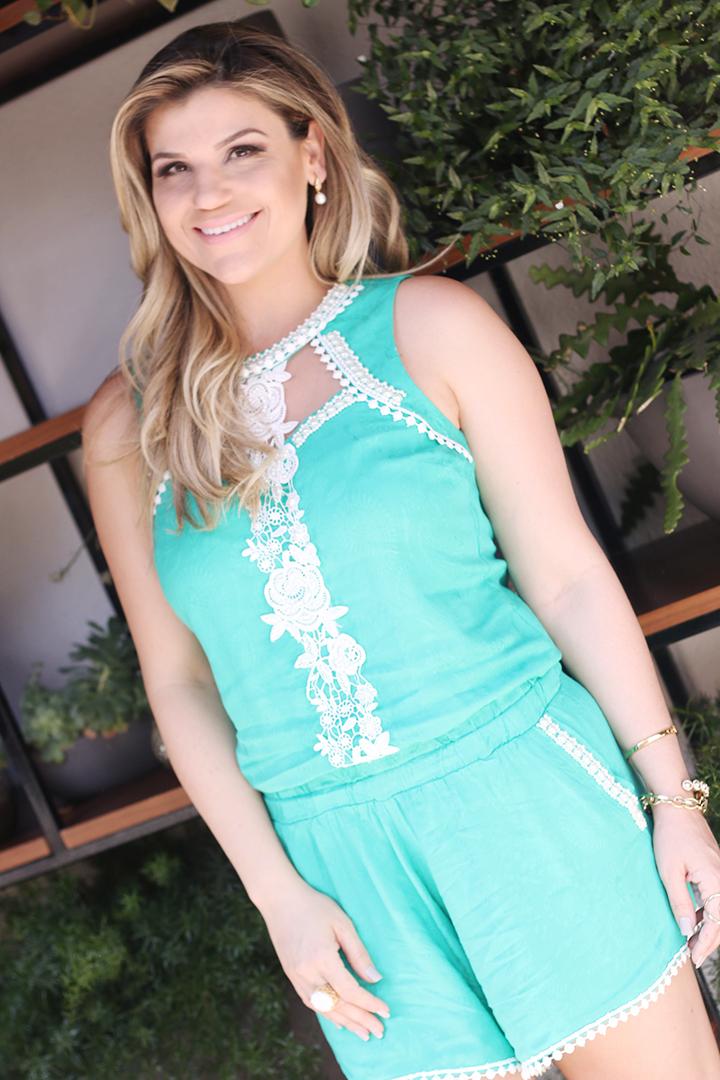Macaquinho Verde Tiffany com Renda Paula Bastos8