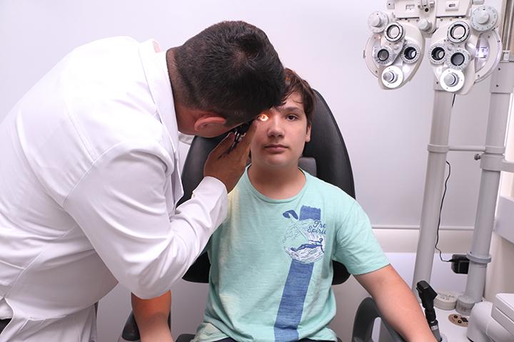 Consulta oftalmo volta às aulas Dr Marco Túlio12