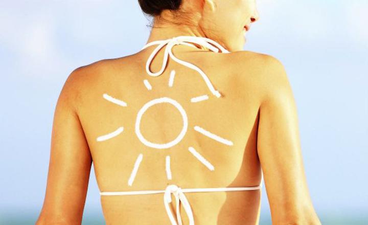 O Nécessaire Ideal Para a Saúde da Sua Pele no Verão