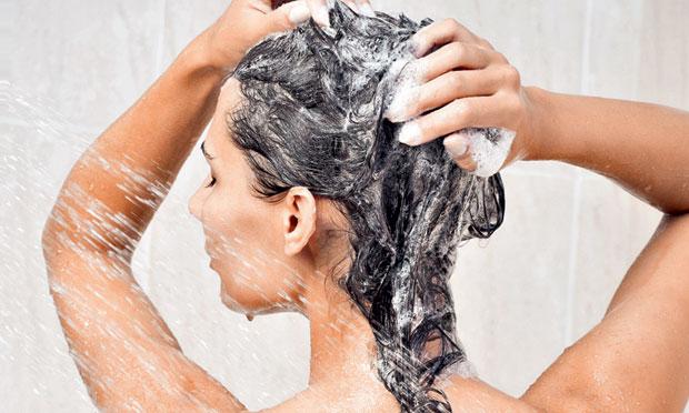 Como escolher o shampoo certo para cada tipo de cabelo3