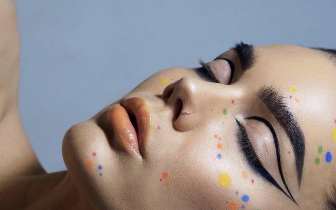Inspiração de Maquiagem Fácil pro Carnaval