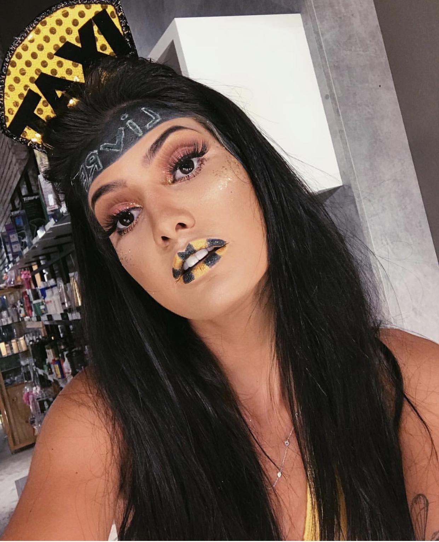 Maquiagem de carnaval Vou de Taxi