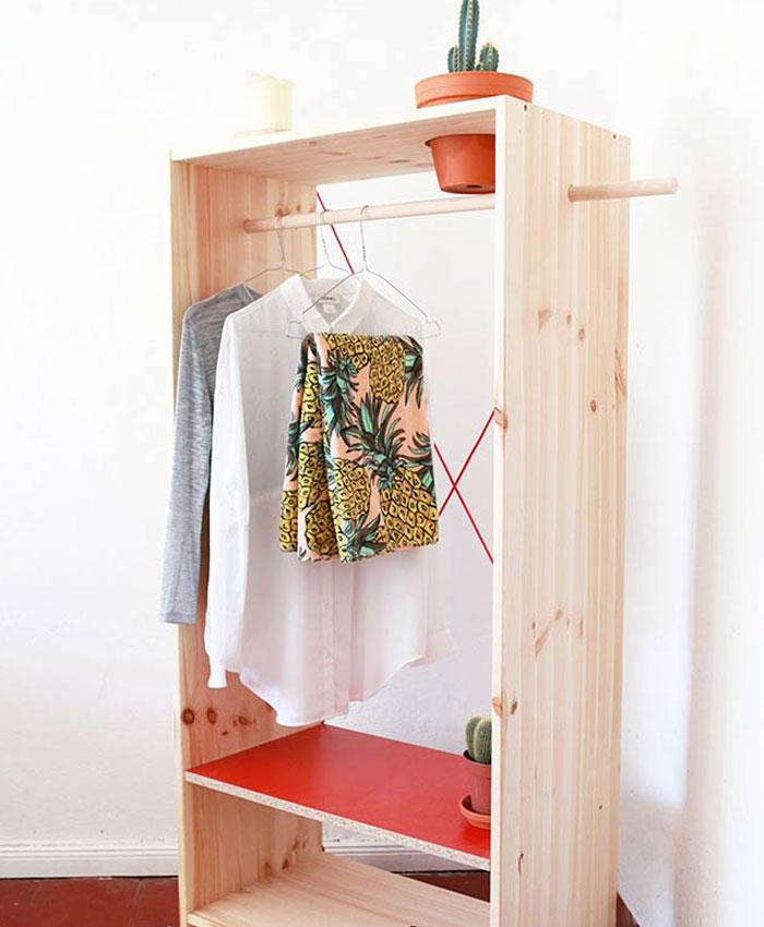 guarda-roupa-pequeno-aberto
